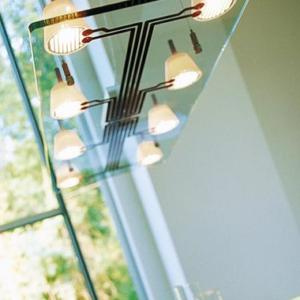 Design Hängeleuchte mit Glasplatte