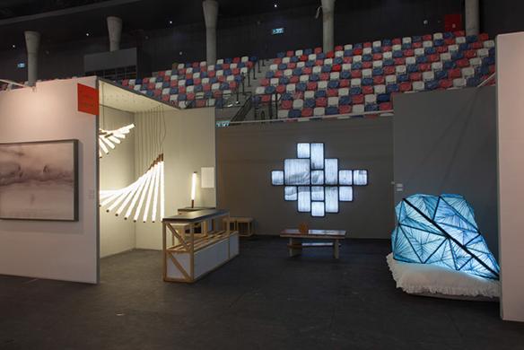 gro e licht kunstwerke als design innenbeleuchtung gro e licht kunstwerke als design. Black Bedroom Furniture Sets. Home Design Ideas