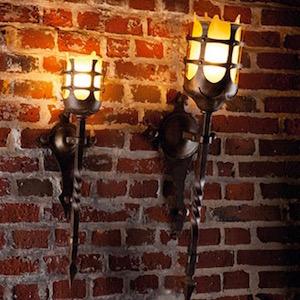 Antike Wandfackel-Leuchte|Große Antike Wandfackel-Leuchte|Antike Wandfackel-Leuchte in zwei Größen
