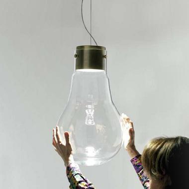 Pendeleuchte in Glühbirnen-Design