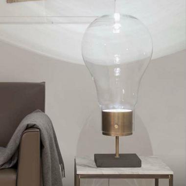 Tischleuchte in Glühbirnen-Design
