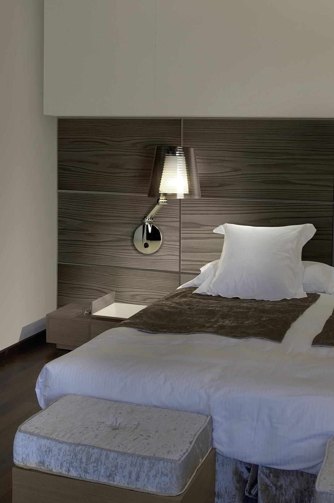 elegante wandlampe mit schalter light lifestyle. Black Bedroom Furniture Sets. Home Design Ideas