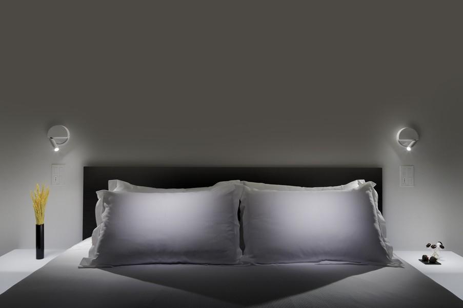 Aufbau Lese LED Wandstrahler Alu schaltet beim einklappen