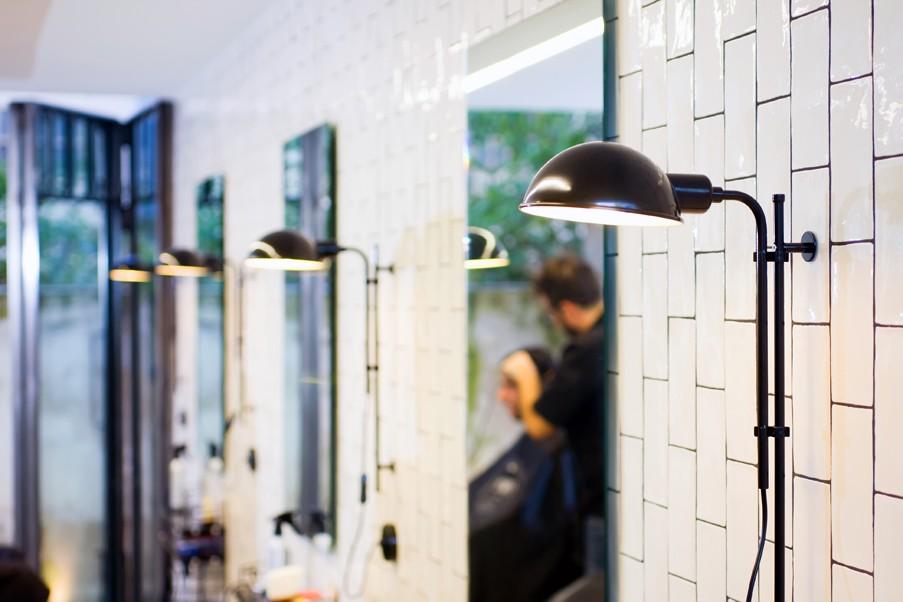 die h henverstellbare wandlampe grau mit schalter ist eine. Black Bedroom Furniture Sets. Home Design Ideas