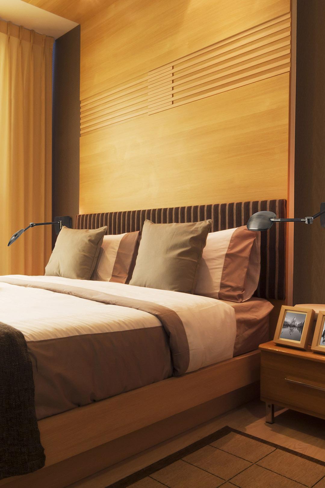 schwenkbare chrom schwarz wandlampe mit schalter. Black Bedroom Furniture Sets. Home Design Ideas