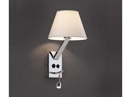 weisse schoene Hotel Wandlampe mit Schalter in Funktion
