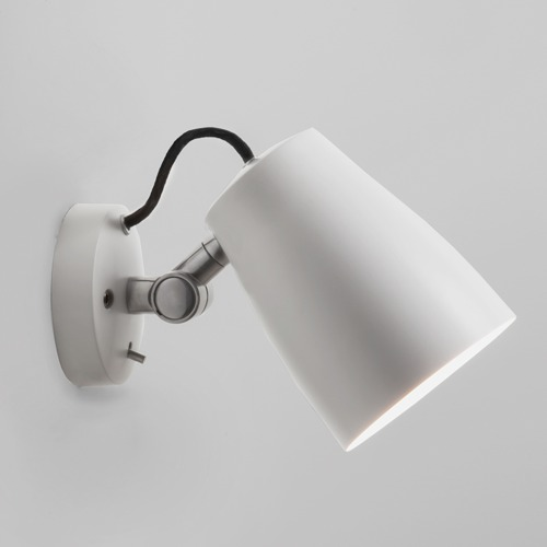 Weisse Atelier Wandleuchte mit Schalter