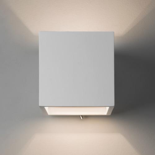 ueberstreichbare Gips Wandlampe mit Schalter