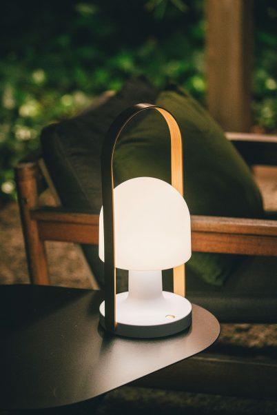 Akku Tischleuchte LED außen