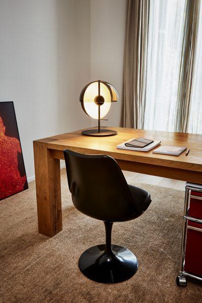 Designer Schreibtischleuchten formschöne designer tischleuchte mit weichem lichtwurf