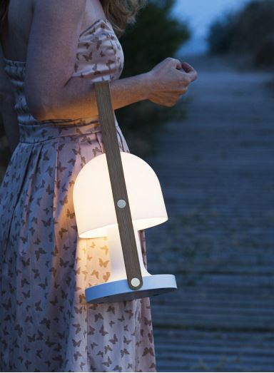 Grosse Akku Tischleuchte LED