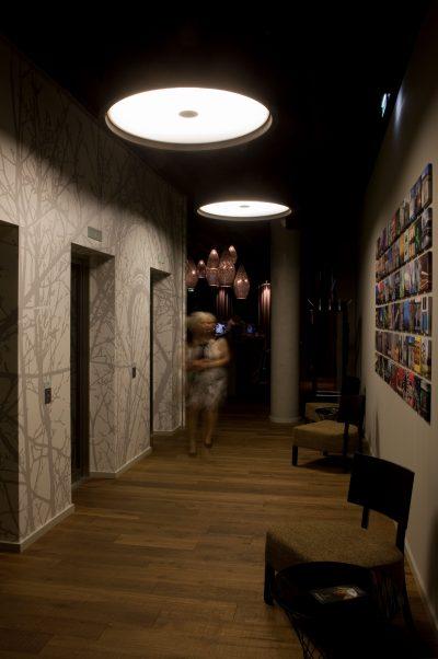 runde moderne flurleuchte mit besten beleuchtungseigenschaften. Black Bedroom Furniture Sets. Home Design Ideas