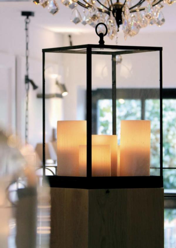Harmonische Bodenleuchte Bronze groß Kerzenoptik